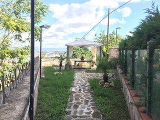 Camera con spa e giardino
