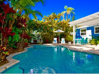 Bean Point Beach Cottage:North End Private Pool Home Close To The Bay & Beach!