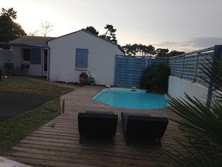villa 4/6 pers, climatisee, piscine privee, wifi gratuit, proche plage