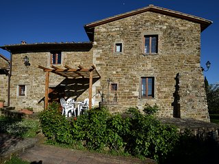 Caminpino apt. at La Vecchia Greve with Shared Pool and Free Wifi