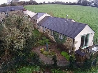 Unity Cottage, A Delightful Pet Friendly Barn Conversion, near Truro, Cornwall