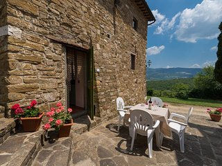La Stalla apt. at La Vecchia Greve with shared pool and wifi