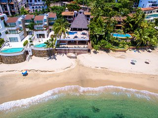 Villa Verde is located on an amazing sandy beach that isn't too crowded and the water is clear!
