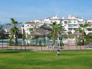 7-540Planta baja en urbanización primera linea de playa en S. Pedro de Alcántara