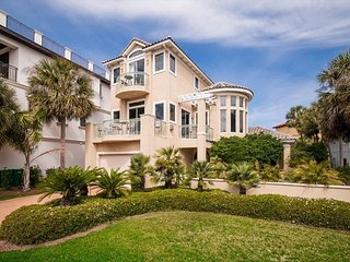 Pristine Gorgeous House Steps From The Beach! FREE Parasailing & Snorkeling!