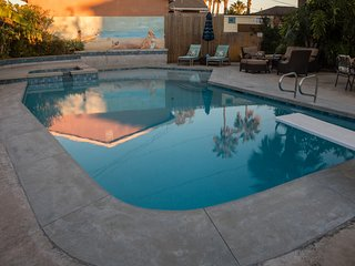 Cheerful house with pool, close to beach and bay!, San Diego