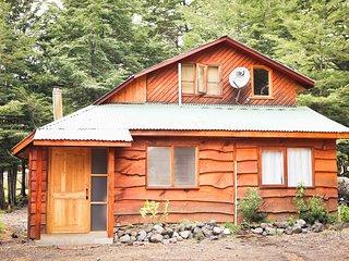 Llaima Camp, Cabanas y camping camino al Parque Nacional Conguillio