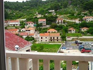 Apartment Korina - One Bedroom Apartment with Balcony, Pucisce