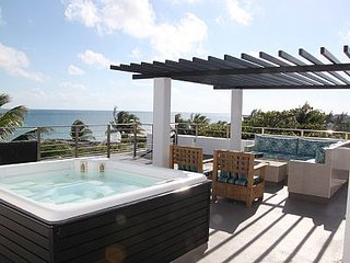 Ocean Front Penthouse Condo, Private Outdoor Living Space Rent as 2 BR  or 1 BR