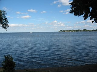 """Shorewood"" - enjoy Lake Winnebago's  west side experience!, Oshkosh"