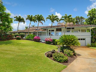 Hawaiian Hibiscus home- AC, private pool/SPA, 1.3 mile to Poipu beach in GOLF