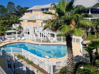 No rEGRETS is newly renovated & remodeled. Beautifully furnished/decorated 4 U!!, Mexico Beach