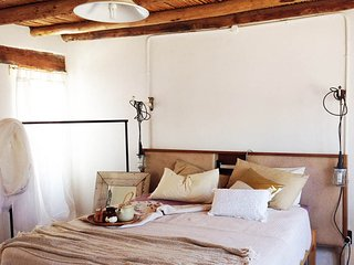 The Barn Cottage @HUIS- a Cape villagestay