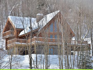 Serenite 5 bedroom waterfront log home