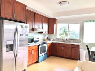 3Bed 2Bath W/ Kitchen, AC & Free Parking 夏威夷 3室/1厅/2卫 Unit C