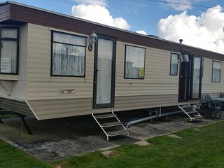 Lovely Family CARAVAN  for  Hire, St Osyth