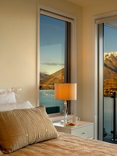 all bedrooms have sliding doors to the lake facing balconies