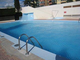 Appartement F2 4 eme etage, vue mer, piscine
