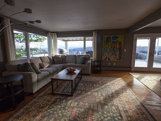 Penthouse with views on Queen Anne Hill, Seattle
