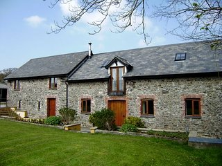 KNAWO Barn in Bideford, Great Torrington