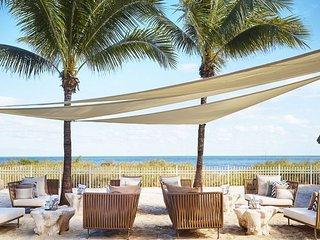 AMAZING BEACHFRONT RITZ-CARLTON 5 Star - 1 BDR. SUITE (JUST RENOVATED)