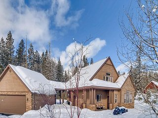 Highly Appointed Home Near Suncadia|Heated Game Rm,Hot Tub,Sonos,Slps10