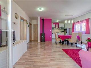 Two bedroom apartment Majda, Split