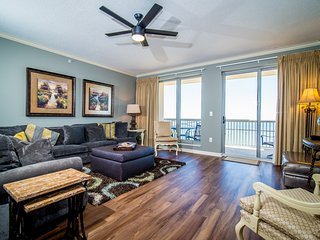 NEW OCEANFRONT MARGATE TOWER - FREE  BEACH UMBRELLA & CHAIR RENTAL