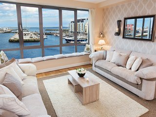 Sea View - Luxury City Center Apartment - Best Location
