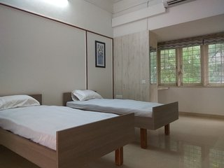 UBUD Room at Srinekatan Heritage Villa Homestay for Pricavy & Independent Entry