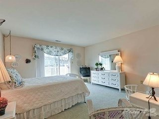 Clean Spacious Townhome in quiet community, Rehoboth Beach