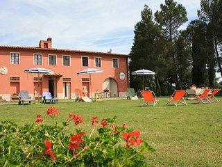 Podere in Toscana - Podere di 300 mq immerso nel verde delle colline toscane