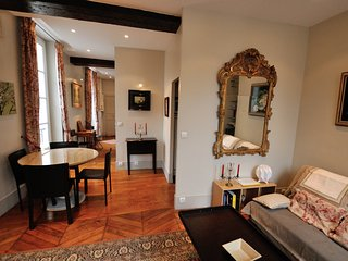 French chic apartment in the Marais