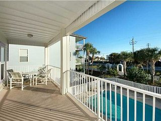 GULF VIEWS AND PRIVATE POOL FOR 21! SPRING BREAK AND SUMMER DATES OPEN!, Destin