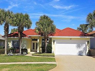 OPEN 6/24-7/1! ONLY $3795 TOTAL! DESTINY EAST FOR 12! POOL! CLOSE TO BEACH!, Destin