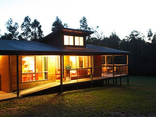 Wattle-Wilde Country Hideaway: 2 Bedrooms, Lovedale
