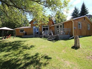 'Willow Beach' Big Rideau Lake - Vacation Rental Listing Details