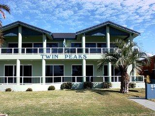 Twin Peaks 1/82 Head Street, Forster