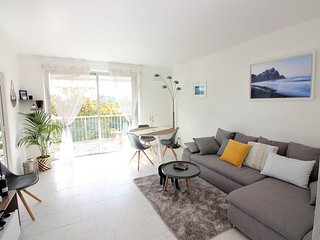 Large Apartment - Terrace / Pool / Tennis / Gym