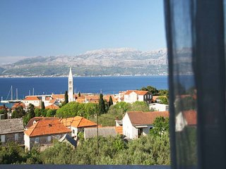 Apartments Lana - Comfort Two-Bedroom Apartment with Terrace, Supetar