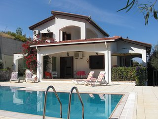 Holiday villa with panoramic mountain and sea views, Kyrenia