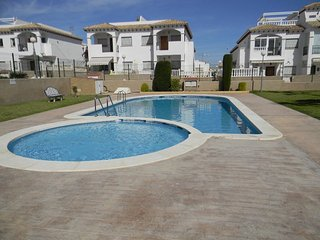 Excellent Spacious Townhouse in Los Altos La Cinuelica, Torrevieja