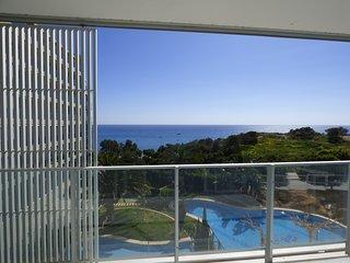 Apartamento nuevo y moderno, al borde del mar, ofertas fin de semana., Villajoyosa