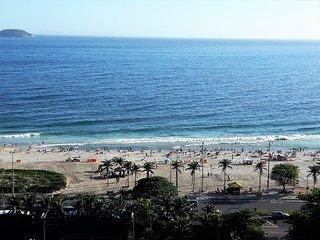 I305 - RIO DE JANEIRO - IPANEMA BEACH