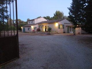 Maison de charme entre Aix en Provence et le Lubéron, Rognes