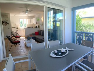 Gorgeous 2 bedrooms, beach front +pool, affordable!