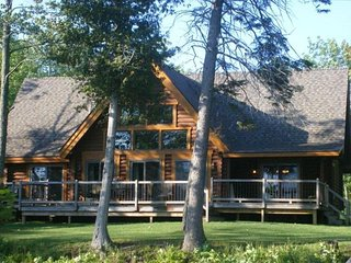 Luxury Brevort Lake Log Home, Moran