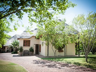 Thatch and Thorn, Midrand