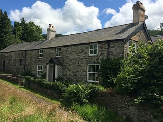 Pen Y Bont Farmhouse