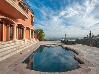 Private 5BR Mansion with Pool and Panoramic Views
